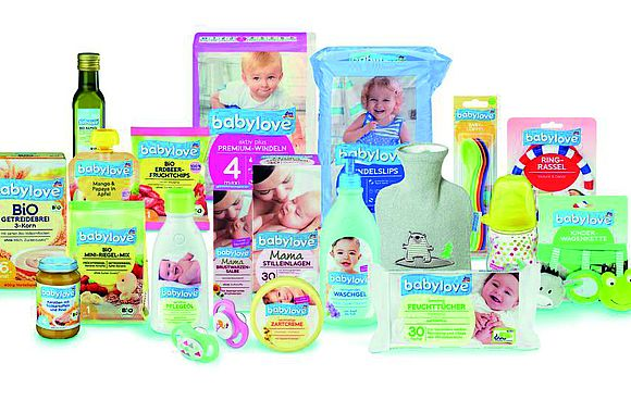 The babylove product line by dm includes tea, which thanks to FOODBOARD™ is now protected from unintended substances.